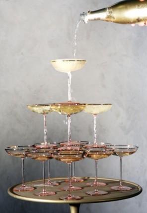 piramida z szampana ślub i wesele