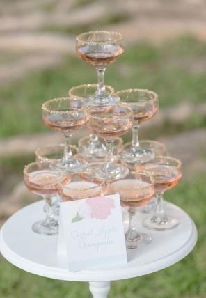 piramida z szampana ślub i wesele3