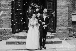 wyjście z kościoła ślub a nuż nie róż