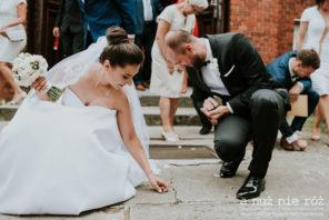 zbieranie pieniędzy ślub a nuż nie róż