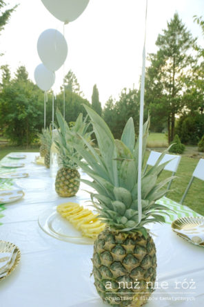 ananasy-balony-dekoracja-stołu-impreza-urodziny