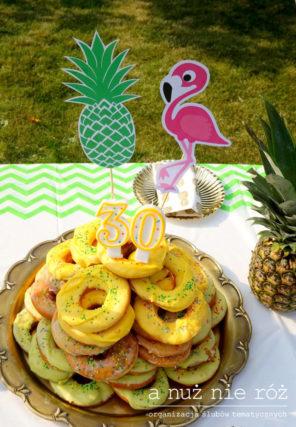tort-z-pączków-donuty-topper-urodziny