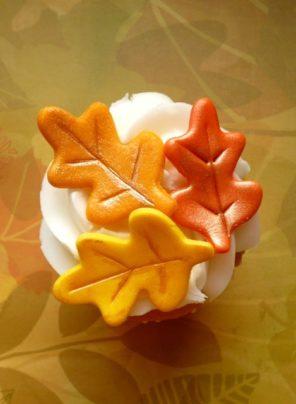 cupcake-liscie-jesien-slub-wesele-motyw-przewodni