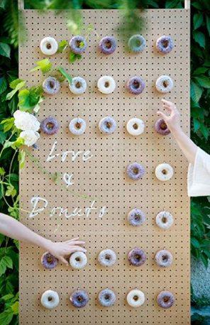 lawendowy-slub-wesele-motyw-donuts-fioletowe