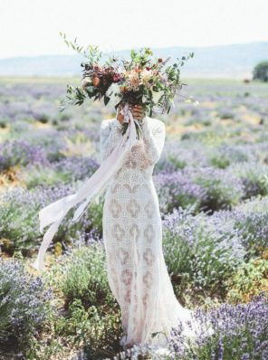 lawendowy-slub-wesele-motyw-panna-mloda-lawendowe-pole