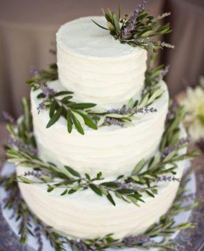 lawendowy-slub-wesele-motyw-tort