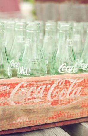 coca-cola-motyw-przewodni-slubu-i-wesela-butelki