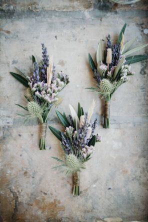 kaktusy-motyw-przewodni-slubu-butonierka