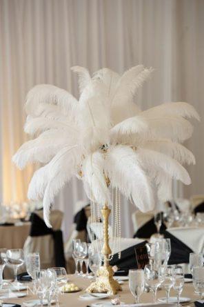 pióra dekoracja stołu Wenecja motyw przewodni ślubu i wesela 1