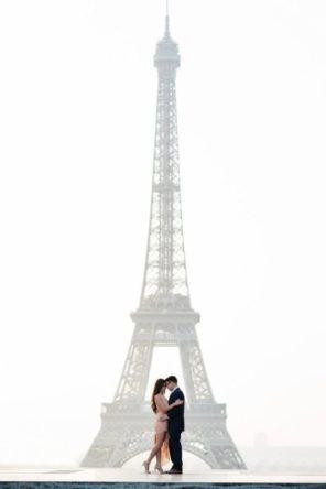 sesja ślubna wieża Eiffla Paryż motyw przewodni ślubu i wesela 1