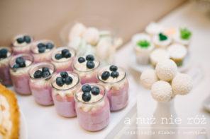 slodki-stol-pastelowy-slub-sukulenty-brzoskwinia-mieta-2