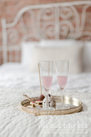 różowe-prosecco-slub-wesele-zlota-taca