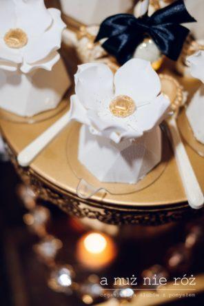 babeczka-slodki-stol-great-gatsby-bialy-kwiat